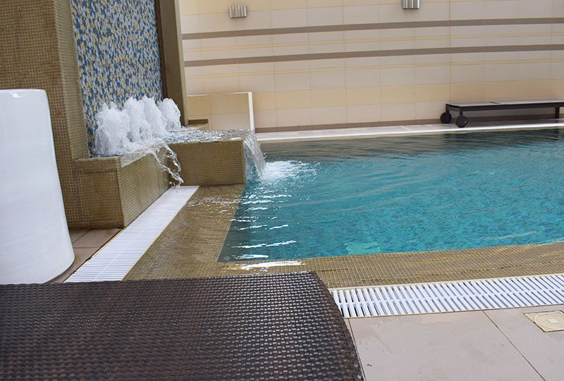 Atlasblue Residential indoor overflow pool 25 - Kuwait