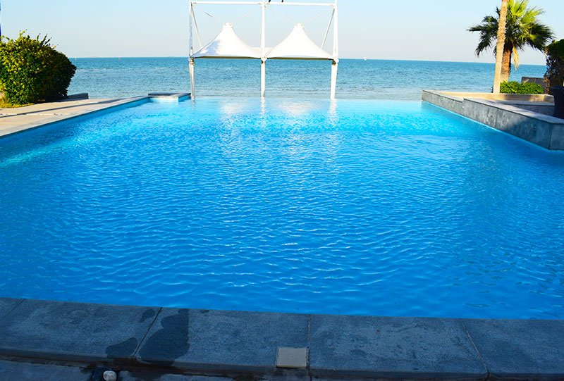 Atlasblue Residential outdoor infinity pool 3 - Kuwait