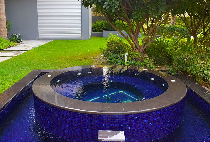 Residential outdoor Jacuzzi - Atlasblue Kuwait