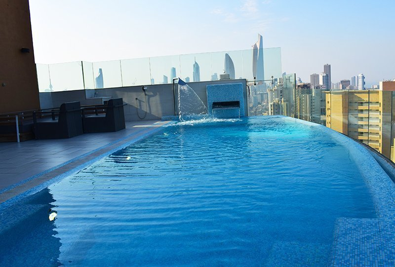 atlasblue commercial outdoor infinity Pool 2